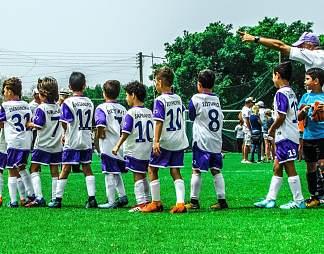 足球比赛入场仪式图片